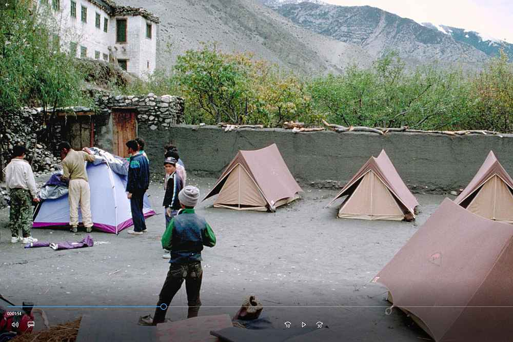03-Camping.jpg